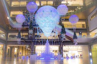 冬,夜景,屋内,青,気球,風船,イルミネーション,ライトアップ,丸,装飾,デート,ショッピング,グランフロント,グランフロント大阪,クリスマス ツリー