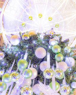 冬,夜景,屋内,風船,イルミネーション,ライトアップ,丸,装飾,デート,グランフロント,グランフロント大阪,クリスマス ツリー