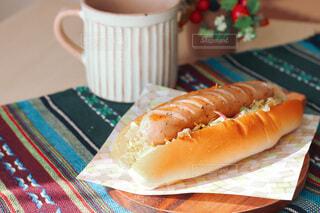 食べ物,カフェ,コーヒー,食事,屋内,テーブル,サンドイッチ,朝ごはん,美味しい,モーニング,手作り,ソーセージ,ホットドッグ,おうち,ファストフード,ジョンソンヴィル