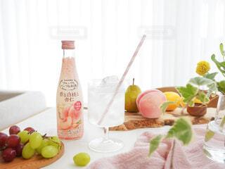 食べ物,お酒,屋内,ジュース,テーブル,果物,皿,レモン,ボトル,ハーブ,ドリンク,アンバサダー