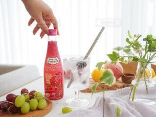 食べ物,お酒,屋内,果物,レモン,ボトル,ハーブ,ドリンク,アンバサダー