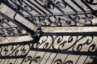 公園のベンチに落書きの写真・画像素材[3117903]