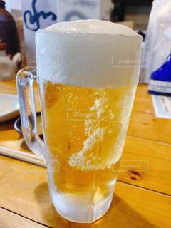 冷えッ冷えのビールの写真・画像素材[3057009]