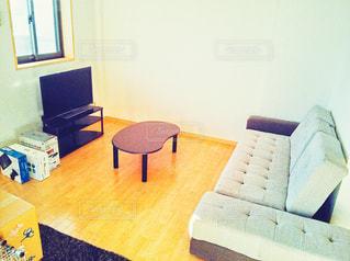 テレビとソファーとテーブルとの写真・画像素材[2988338]