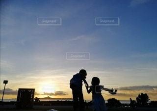 兄と妹の写真・画像素材[3035142]