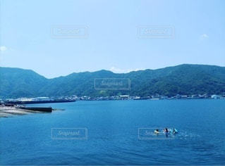 子ども,家族,風景,海,夏,海水浴,島,海岸,田舎,景色,泳ぐ,夏休み,水泳,日中