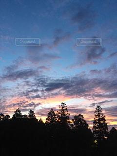 都市の夕日の写真・画像素材[2991029]