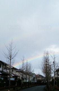 空,屋外,虹,道路,曇り,道,ハッピー,夢,ダブルレインボー,ラッキー,日中,わくわく