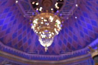 室内,ライト,シャンデリア,キラキラ,照明,明るい,玉ボケ,宮殿