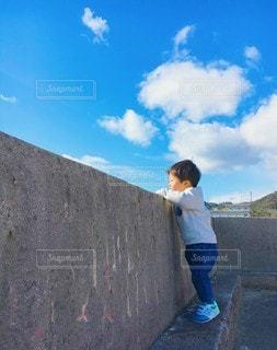 子ども,家族,風景,空,散歩,少年,たそがれ,考える
