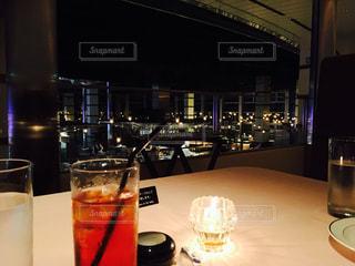夜景,食事,ガラス,テーブル,キャンドル,イベント,レストラン,ドリンク,パーティー,手元,飲料