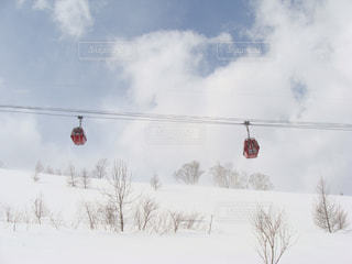 風景,空,冬,雪,屋外,赤,白,青,スキー場,ゴンドラ,日中,冷