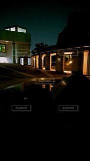 建物,夜,夜景,窓,光,灯り,デザイン