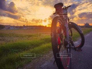 風景,空,自転車,屋外,タイヤ,車両,ホイール