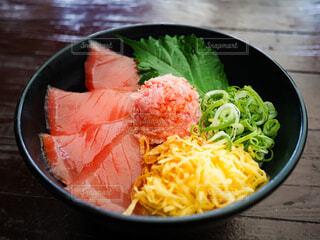 マグロ丼の写真・画像素材[3845832]