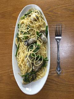 食べ物,食事,ランチ,ディナー,菜の花,フォーク,テーブル,スプーン,野菜,皿,パスタ,食器,牡蠣,料理,麺,スパゲッティ,ペペロンチーノ,レシピ,オイルパスタ