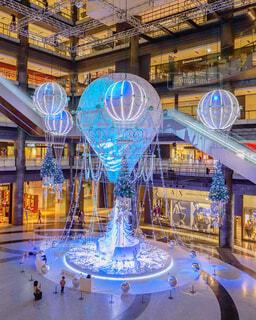 建物,大阪,青,気球,イルミネーション,クリスマス,梅田,イルミ,グランフロント大阪,シャンパンゴールド,クリスマス ツリー,グランフロントクリスマス
