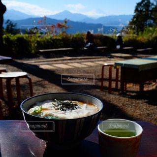 高尾山トレッキング。富士山を眺めながら茶屋でお蕎麦。の写真・画像素材[3053497]