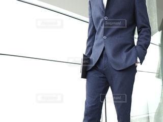 スーツを来た男性の写真・画像素材[3025493]