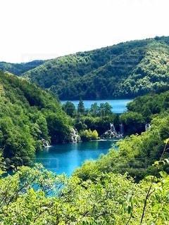 山に囲まれた湖群の写真・画像素材[3146275]