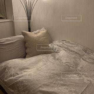 シンプル ベッドルームの写真・画像素材[3011353]