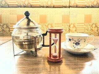 ティーポットに紅茶の写真・画像素材[4802957]