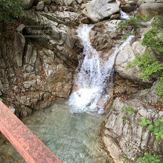 自然,橋,屋外,水面,山,滝,岩,マイナスイオン,草木,透明感