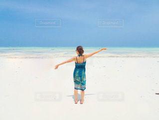 まっしろな砂浜の写真・画像素材[3027517]