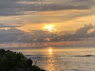 海と夕陽の写真・画像素材[3559746]
