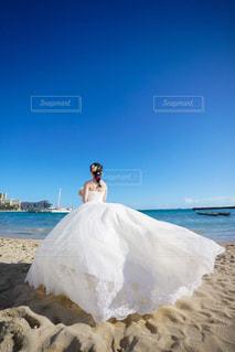 女性,恋人,自然,海,空,ビーチ,結婚式,ドレス,夫婦,ハワイ,フォトウェディング,結婚式ドレス