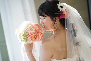 女性,男性,恋人,花,花束,バラ,結婚式,ドレス,人,ブーケ,ティアラ,ベール,フォトウェディング,結婚式ドレス