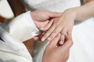 女性,男性,恋人,屋内,手,時計,指,結婚指輪,人,リング,爪,結婚式ドレス