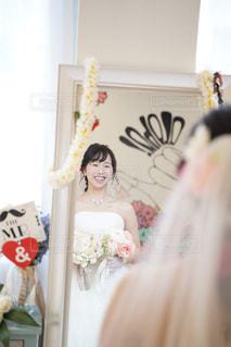 女性,恋人,2人,花,屋内,バラ,結婚式,ドレス,人,ブーケ,結婚式ドレス,ウエディング ケーキ