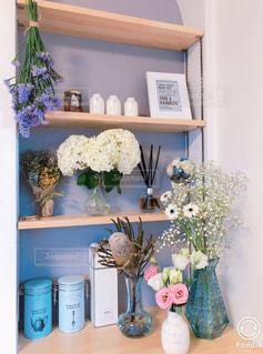 インテリア,花,屋内,花束,花瓶,キャンドル,壁,家具,観葉植物,ニッチ,配置,アーチニッチ,お花好き