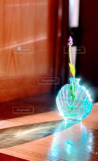 風景,花,屋内,花瓶,ラベンダー,ガラス,光,ボトル,メルヘン,明るい