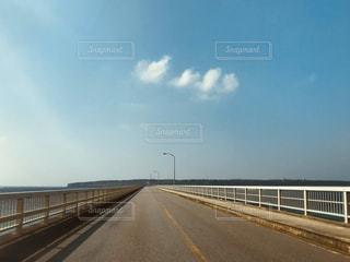 橋と青空の写真・画像素材[3027372]