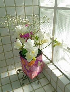 花瓶の花束の写真・画像素材[3122671]