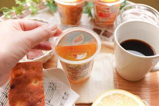 朝食にカットフルーツの写真・画像素材[4815186]