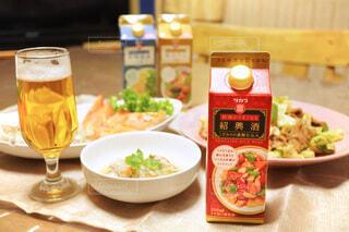 食べ物,ディナー,テーブル,野菜,皿,スープ,レストラン,中華,春雨,葉野菜,レシピ,回鍋肉,紹興酒