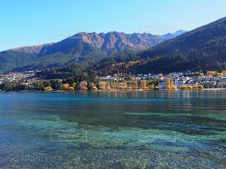 自然,風景,空,屋外,湖,海外,ビーチ,青空,青,透明,水面,海岸,山,旅行,ニュージーランド,クイーンズタウン