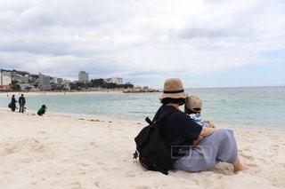 女性,子ども,2人,自然,風景,海,空,屋外,砂,ビーチ,親子,砂浜,海岸,旅行,白浜,ママ