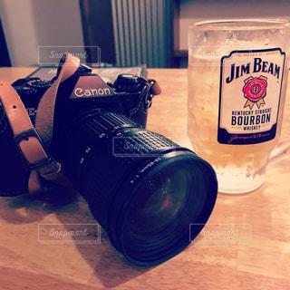 カメラ,お酒,屋内,レトロ,レンズ,フィルムカメラ,オールド,ジムビーム,カメラレンズ