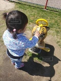 子ども,風景,公園,幼児,遊具,遊び場,なでなで