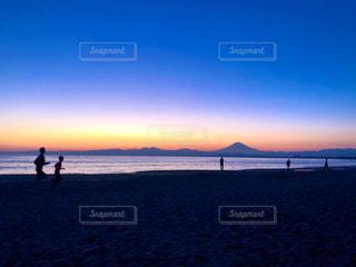 風景,海,空,富士山,ビーチ,雲,夕暮れ,水面,海岸,山,ジョギング
