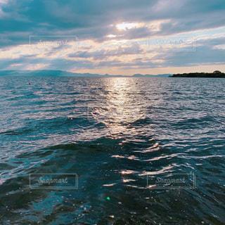 自然,風景,空,屋外,湖,雲,水,波,幻想的,水面,リラックス,夕陽,クラウド,光の航路