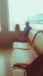 子ども,家族,2人,風景,屋内,飛行機,窓,人,旅行,旅,空港,待合室
