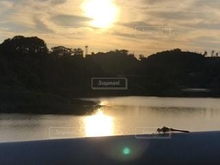空,夕日,水面,トンボ,ダム,三春ダム