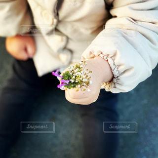 花,花束,娘,野花,小さい手,娘からのプレゼント