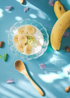 バナナヨーグルトの写真・画像素材[3195923]