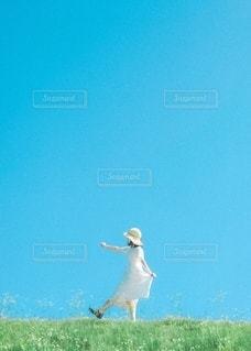 ワンピースと女の子の写真・画像素材[3402846]
